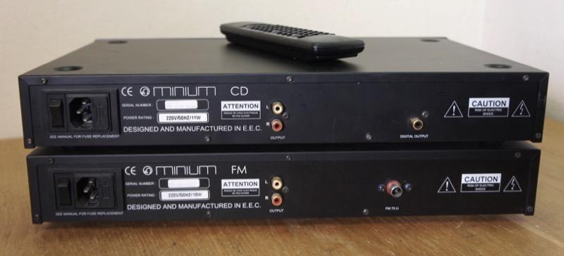 Micromega Minium CD-soitin ja FM-viritin
