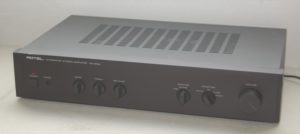 ROTEL RA-810A
