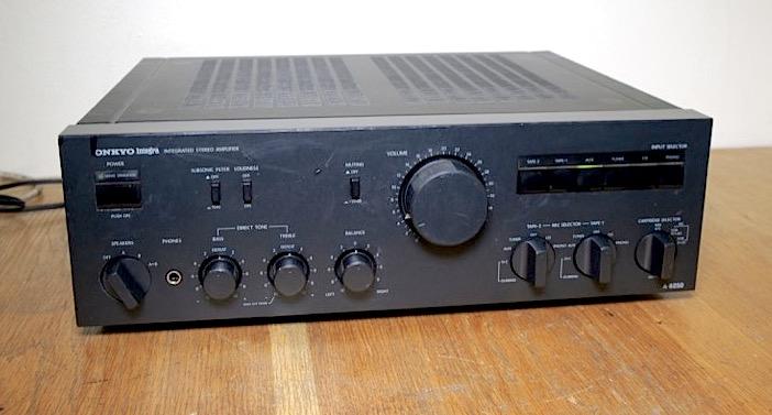 Onkyo Integra A-8250