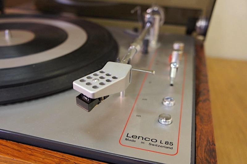 Lenco L85
